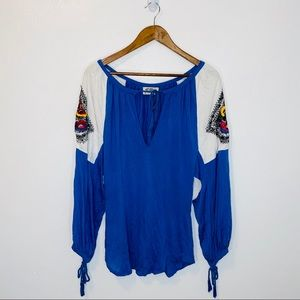 Torn by Ronny Kobo white blue embroidered blouse